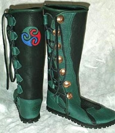 7 button mens leather boots black green Triskelion moccasins