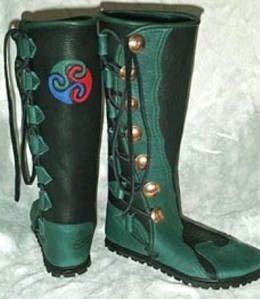 7 button mens leather boots black green Triskelion moccasins