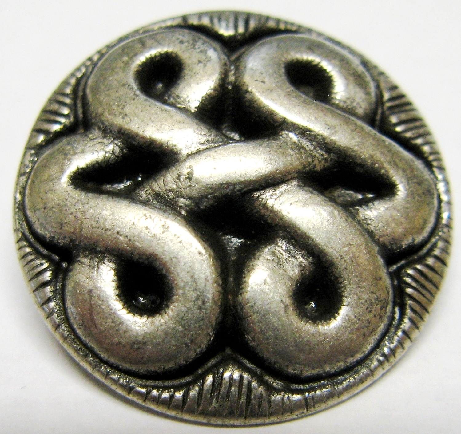 silver pewter celtic knot button