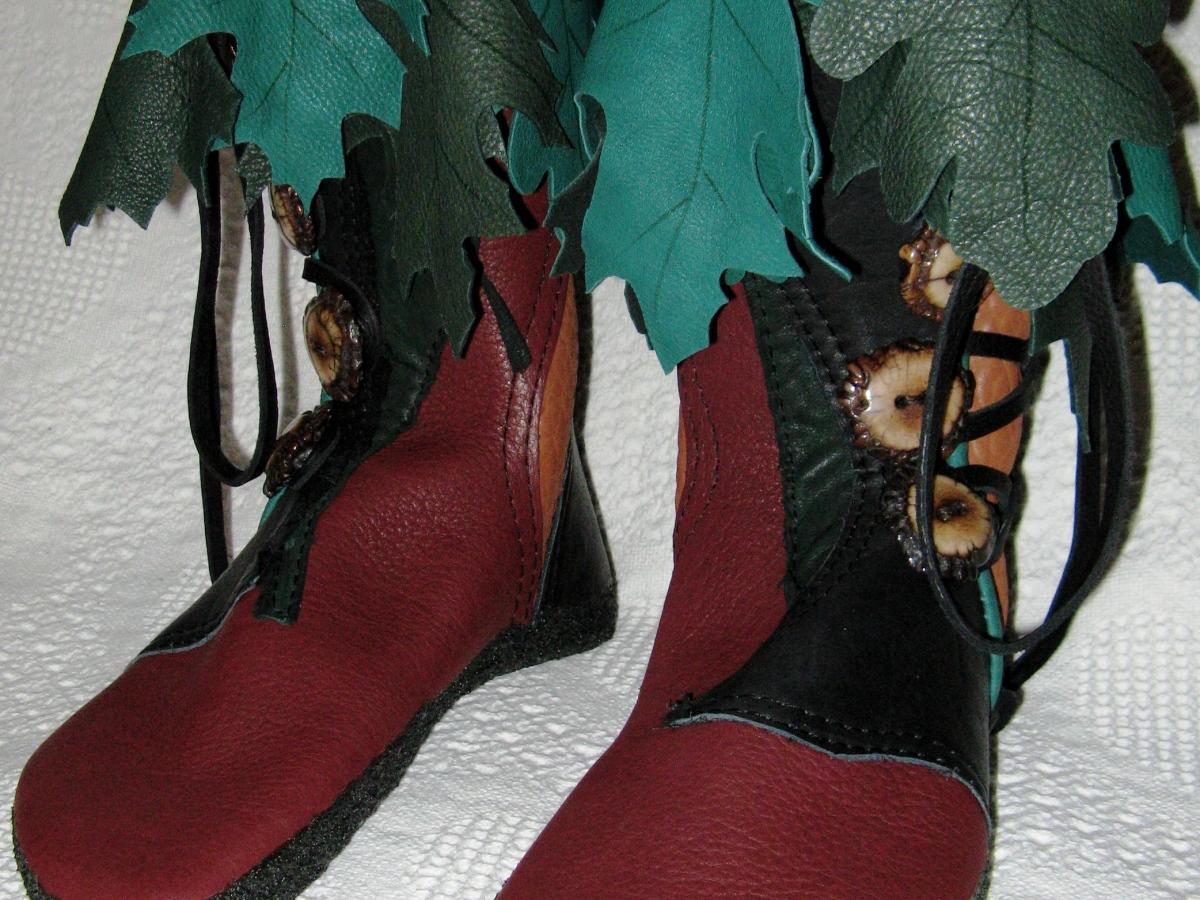 woodsman elven moccasins oak leaves